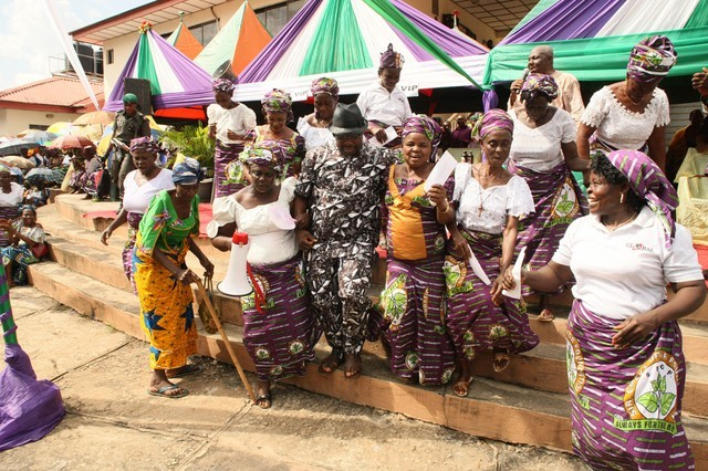 Sir Emeka Offor Foundation Helps Widows with Rice Donation