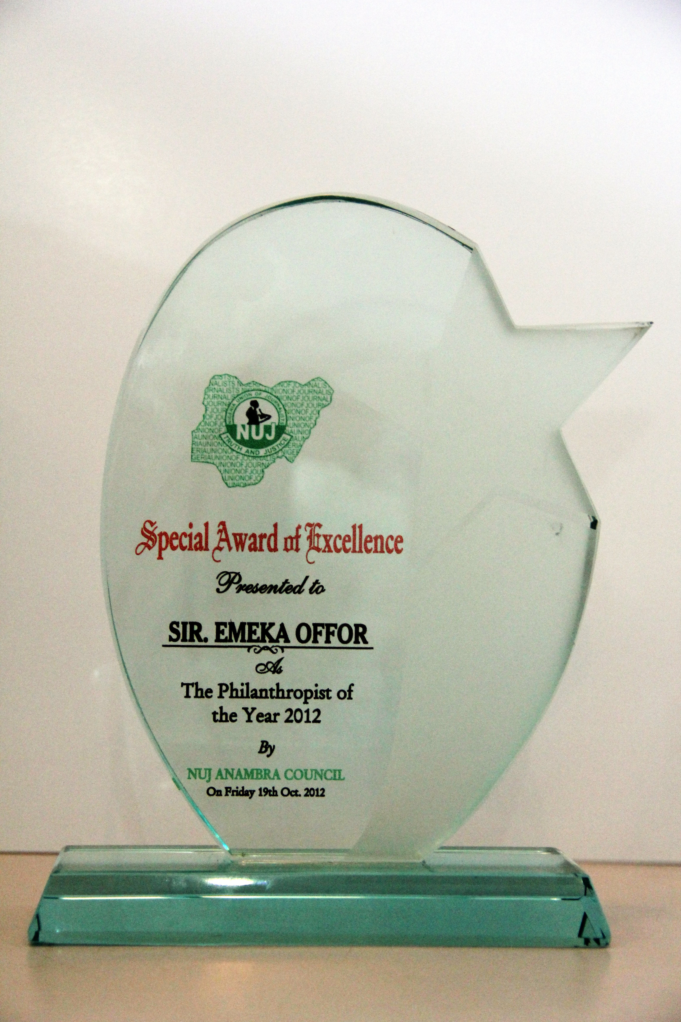 "Sir Emeka Offor Receives ""Philantropist of the Year 2012"" Award"