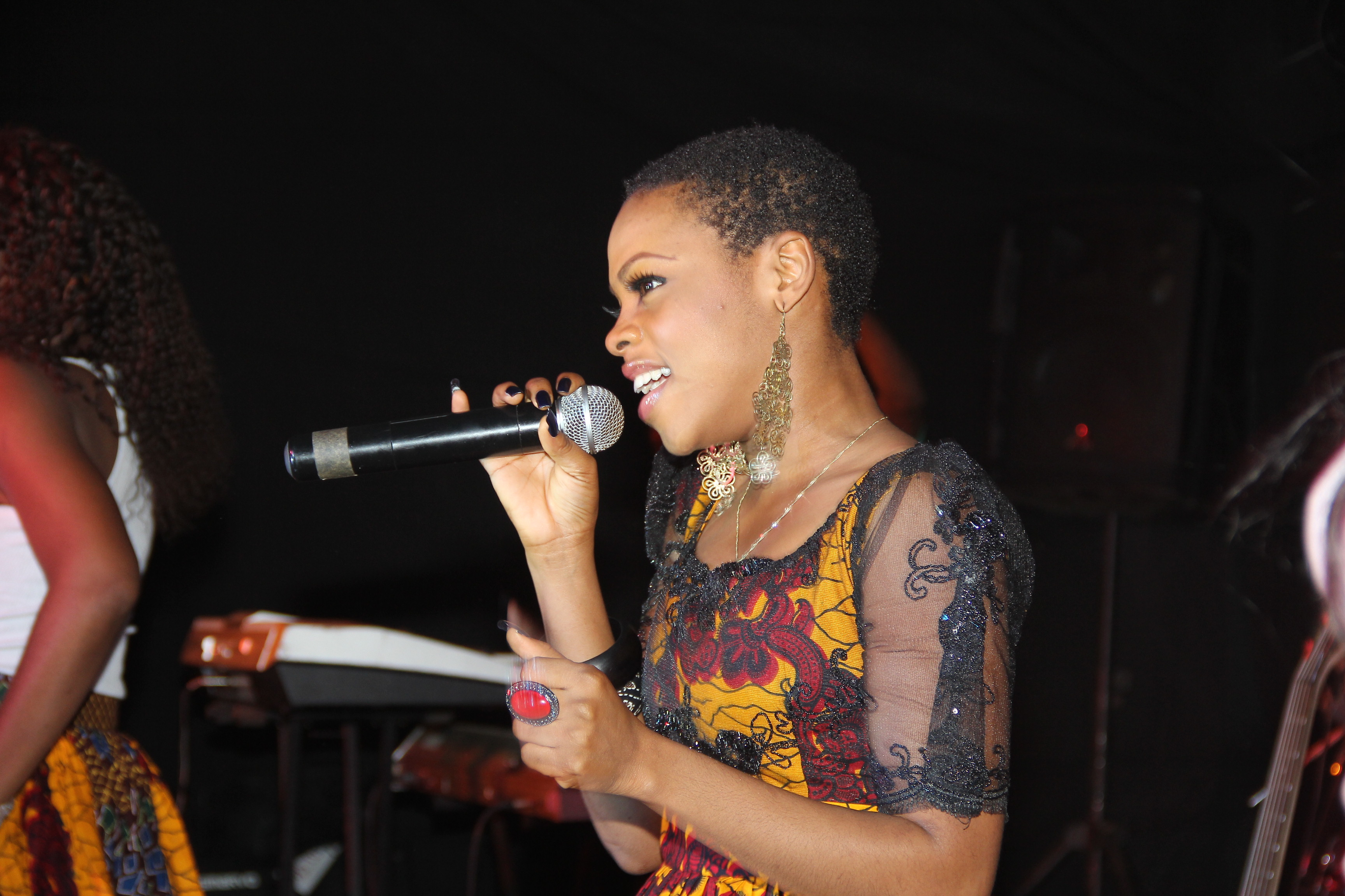 Chidinma performing Kedike on stage