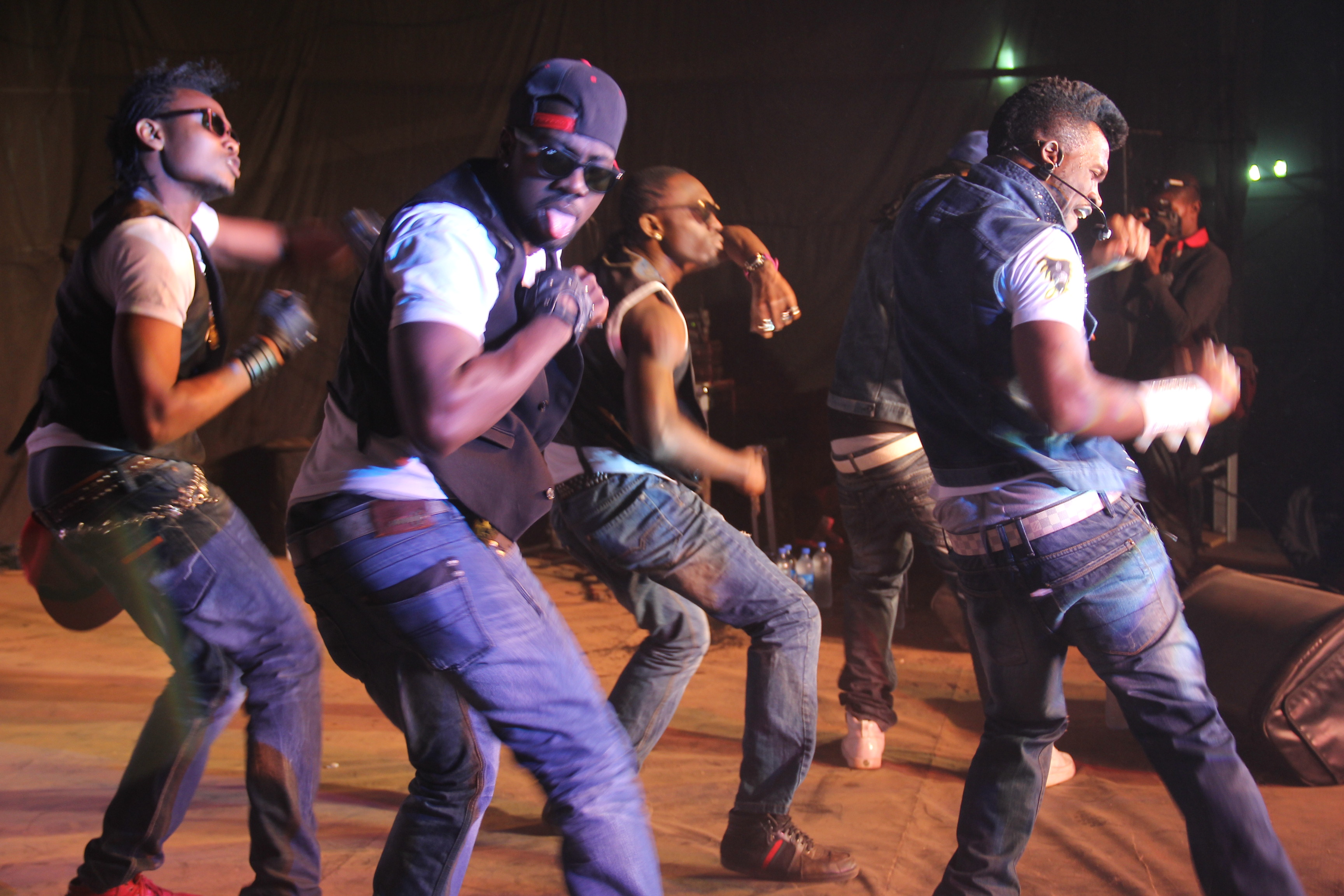 Psquare and crew thrilling with some Alingo dance steps